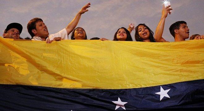 Muitos venezuelanos têm depositado suas esperanças em Guaidó