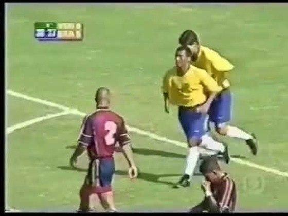 Venezuela 0 x 6 Brasil - Eliminatórias da Copa do Mundo de 2002 - Com quatro gols de Romário, a Seleção goleou os Vinotintos por 6 a 0 em Maracaibo. Juninho Paulista e Euller fecharam o marcador.