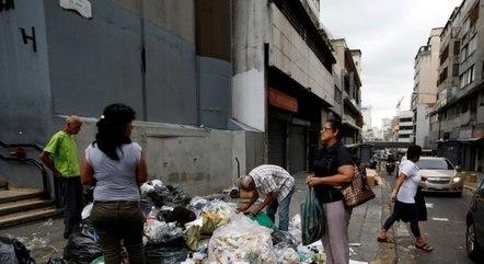 Escassez de alimentos, violência e o colapso do sistema de saúde são pontos destacados pelos venezuelanos