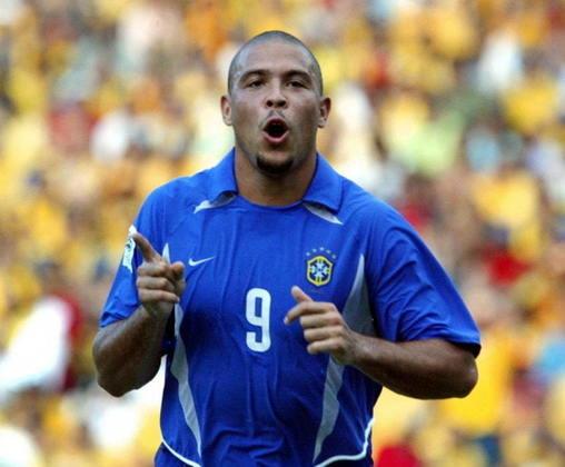 Venezuela 2 x 5 Brasil - Eliminatórias da Copa do Mundo de 2006 - Novamente em Maracaibo, o Brasil goleou a Venezuela, desta vez por 5 a 2. Com dois gols cada, Ronaldo (foto) e Kaká foram os destaques. Adriano marcou o quinto do Brasil, enquanto Morán fez dois tentos para os venezuelanos.