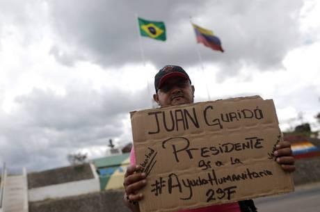 Muitos venezuelando apoiam Juan Guaidó