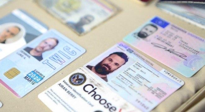 Governo da Venezuela mostrou documentos dos dois norte-americanos presos