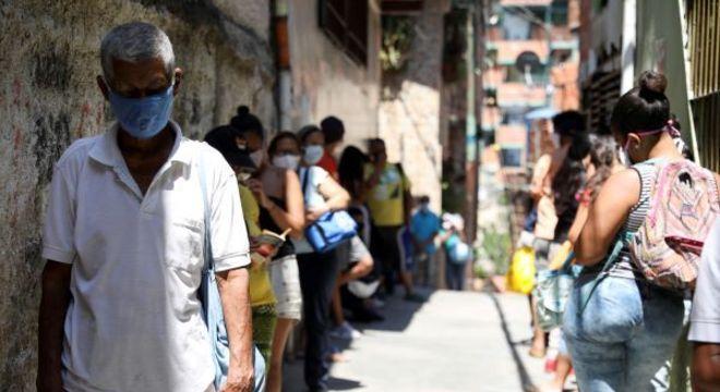 Salto no número de casos de coronavírus na foi atribuído ao retorno de imigrantes