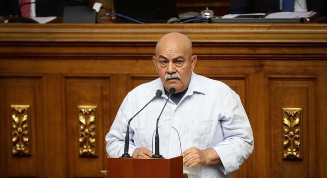 Governador do distrito de Caracas, Darío Vivas, morreu por covid-19