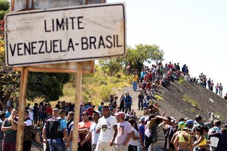 Na imagem, fronteira entre Brasil e Venezuela