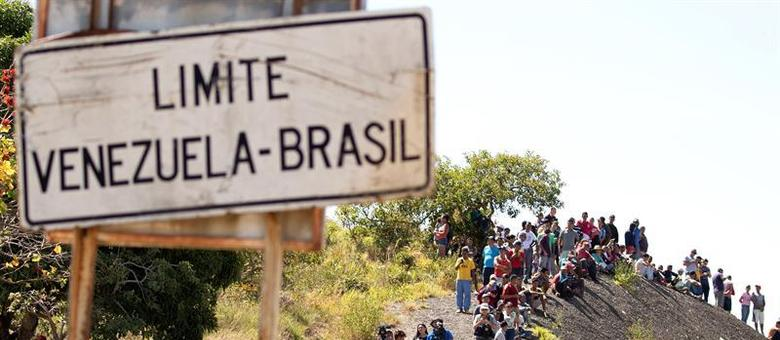 A cidade de Pacaraima, fronteira brasileira com a Venezuela.