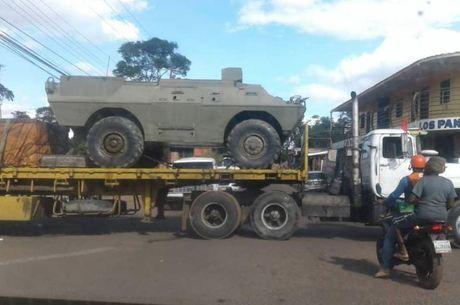 Venezuelanos registraram movimento de veículos militares