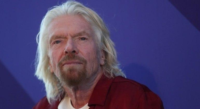 Branson deve decolar nove dias antes de Jeff Bezos