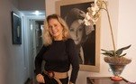 Desde então, Vera Fischer vem abrindo as portas da cobertura em que vive no Leblon, na zona sul do Rio de Janeiro. O imóvel é composto por uma decoração clássica e que valoriza peças que carregam histórias de família