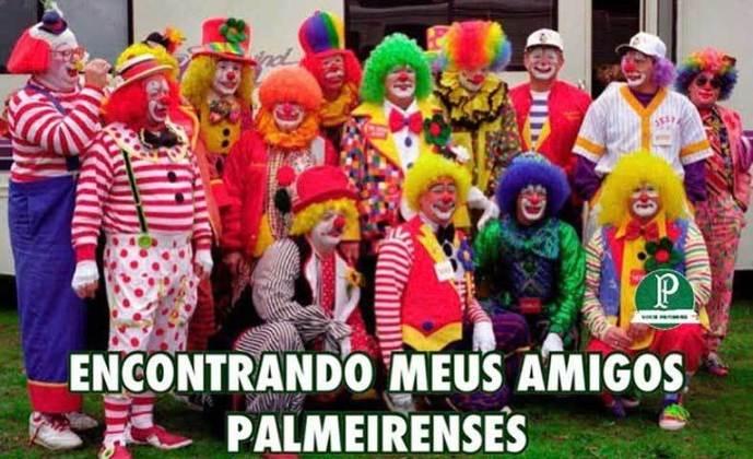 Verdão foi derrotado pelo Fortaleza por 2 a 0 no último domingo e o resultado acabou motivando brincadeiras de palmeirenses e rivais. Confira na galeria! (Por Humor Esportivo)