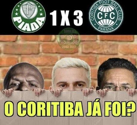 Verdão perdeu por 3 a 1 para o Coritiba, em casa, e Vanderlei Luxemburgo não resistiu ao terceiro revés consecutivo no Brasileirão. Nas redes sociais, torcedores brincaram com a má fase do time e com o fim do projeto do treinador. Confira os memes!