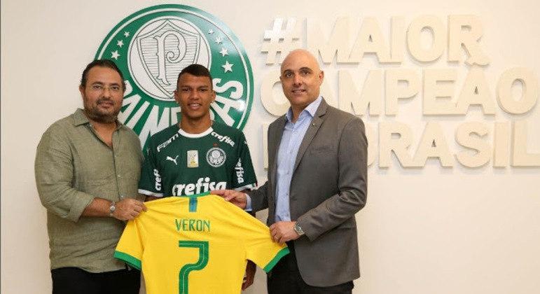 Mattos revela que teve de reconstruir toda a base do Palmeiras