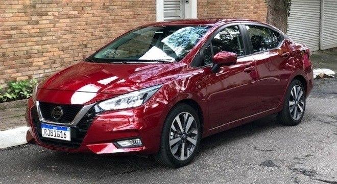 O Nissan Versa também foi um modelo que surpreendeu. Com o novo visual, agora mais parecido com seu irmão maior Sentra