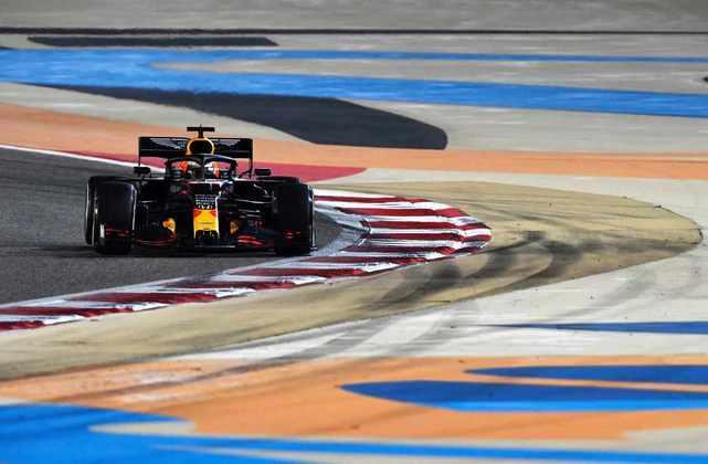 Verstappen foi o autor da volta mais rápida.