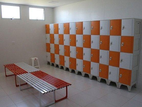 Vestiário do complexo HTW Sports, local de treinamento do Red Bull Bragantino