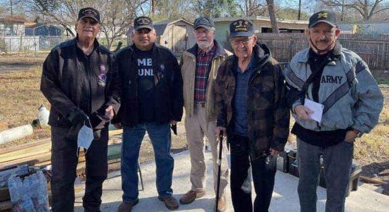 Veteranos vão ajudar velho amigo que precisa de uma reforma em sua casa