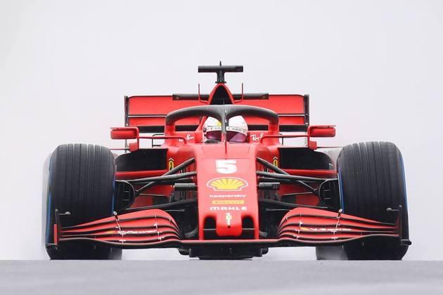 Vettel em ação no Hungaroring