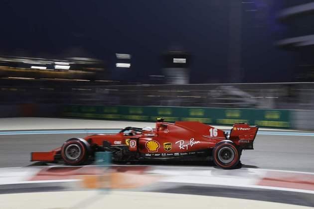 Vettel está de despedida da Ferrari.