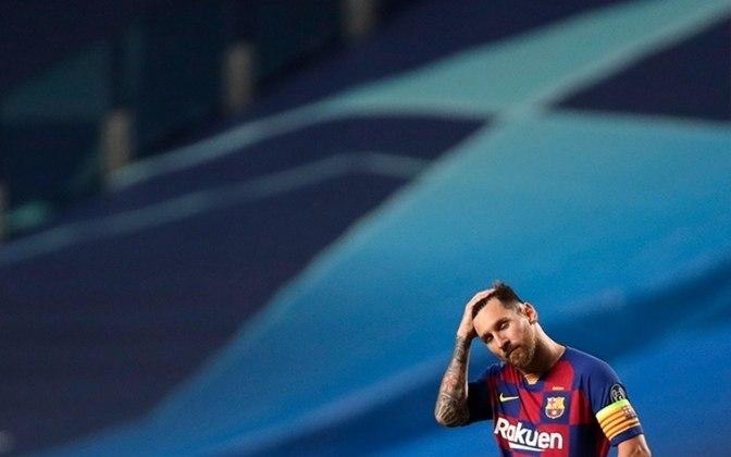 VEXAME DIANTE DO BAYERN - Não seria a eliminação, mas a forma como aconteceu. Para o Barcelona perder por 8 a 2, mesmo diante de um Bayern, alguma coisa realmente estava fora da ordem. O estado de Messi, flagrado no vestiário, durante o intervalo, foi emblemático.