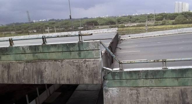 Viaduto cedeu no dia 15 de novembro na marginal Pinheiros, na zona oeste de SP