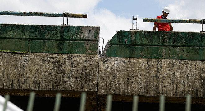 Encerrada fase de macaqueamento, Prefeitura promete obra em 15 dias