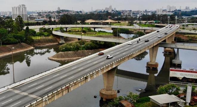 Técnicos analisaram pontes, viadutos, pontilhões e túneis em toda cidade de SP