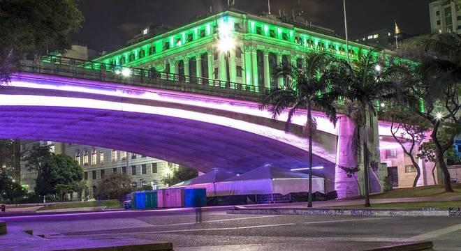 Prefeitura de SP quer dar novo uso às áreas debaixo de viadutos
