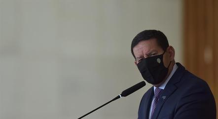 Mourão elogia trabalho do  general Luna em Itaipu