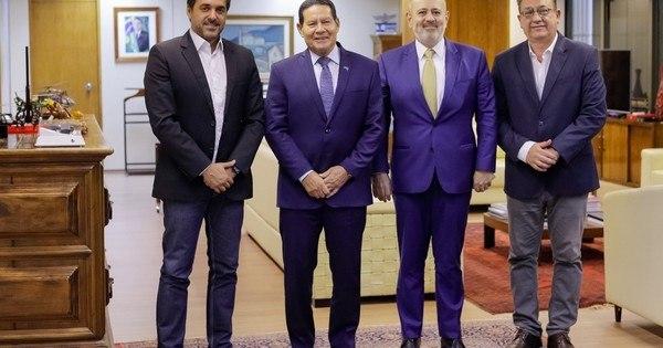 Presidente da Record faz visita institucional ao vice-presidente da República, Hamilton Mourão