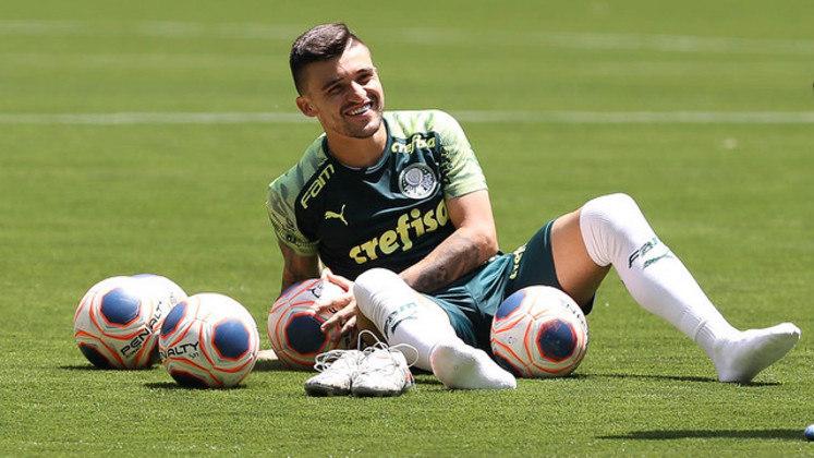 Victor Luís - Lateral-esquerdo - 28 anos - Contrato até: 31/12/2022