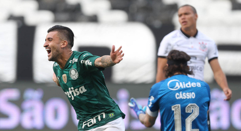 O Corinthians marcou de maneira frouxa os contragolpes mortais do Palmeiras