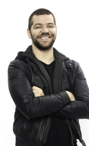 "Victor Sarro comandará a parte digital de ""A Fazenda 12"" na Record TV"