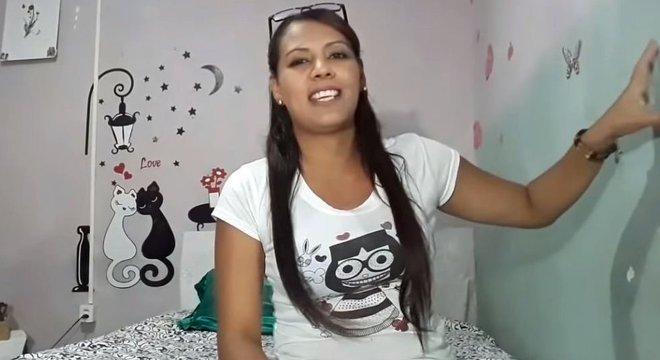 Antes de fixar residência em Curitiba, Victoria viveu na rodoviária de Boa Vista