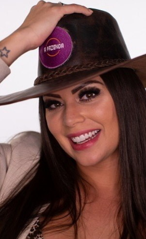 Victória (Villarim): Idade: 29anosProfissão: Modelo e bailarinaOnde nasceu: São Paulo - SPOnde mora: São Paulo
