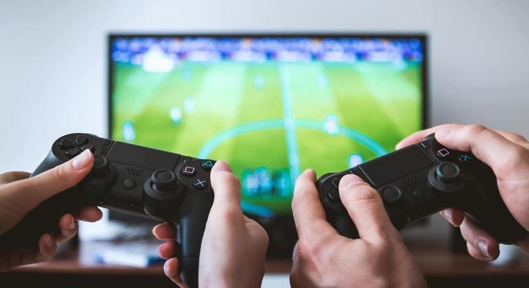 Videogames podem ter até 3 vezes mais bactérias que assento de privada, diz estudo