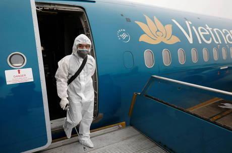 Vietnã tenta salvar vida de piloto com coronavírus