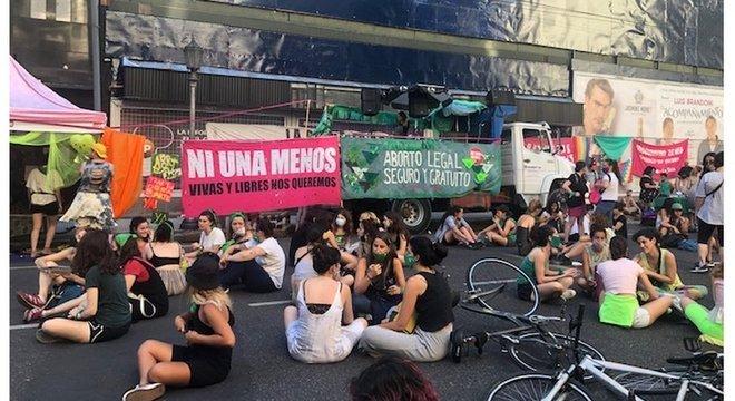 Governo Fernández defende o projeto de interrupção voluntária da gravidez