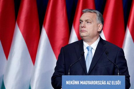 Viktor Orban cria incentivos para famílias húngaras