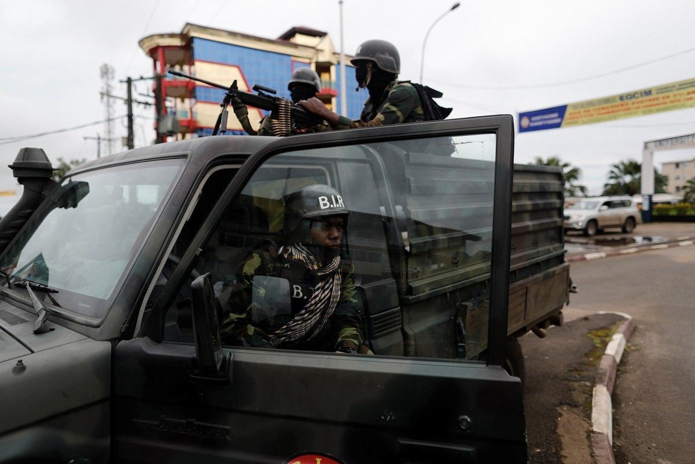 Camarões: Conflito linguístico e violência marcam eleições