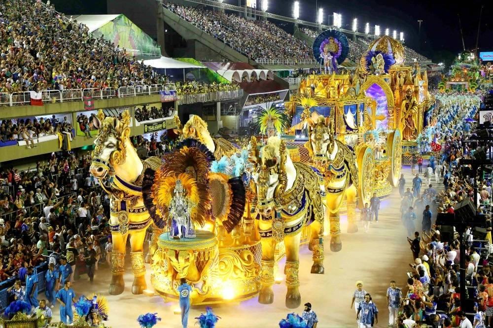 dfa6253a7 ... A Unidos de Vila Isabel homenageou a cidade turística de Petrópolis,  região serrana do Rio ...