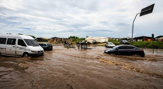 Enchentes se repetem ano a ano na capital paulista