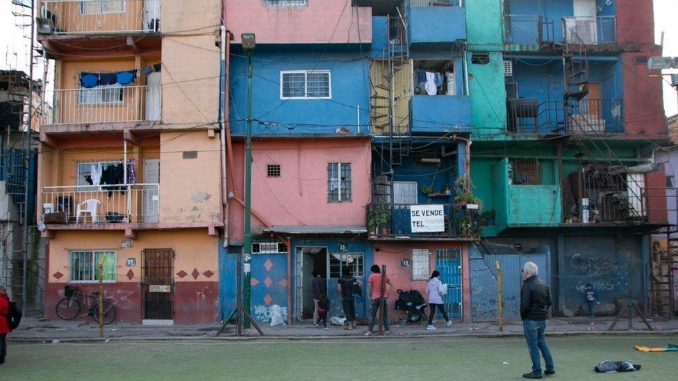 Favela mais antiga de Buenos Aires, Villa 31 tem quase 80 anos e está encravada em área nobre da cidade
