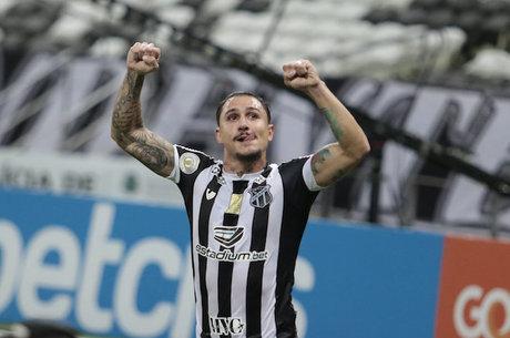 Vina marcou gol da vitória do Ceará contra Fortaleza