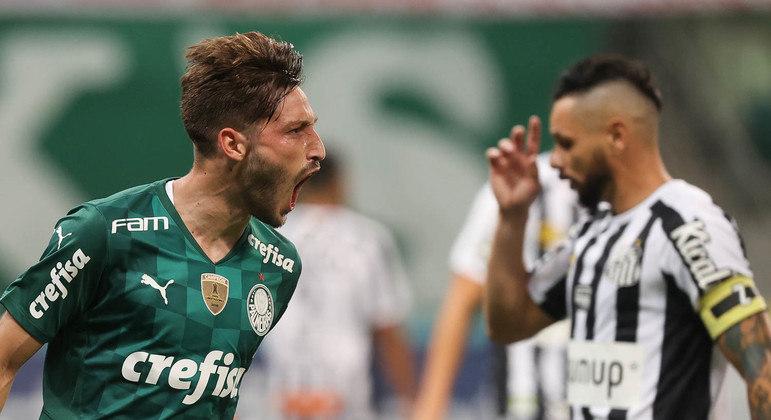 Viña fez um gol e deu uma assistência na vitória do Palmeiras no clássico