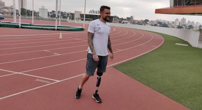 Vinicius Rodrigues hoje treina no Centro Paralímpico Brasileiro