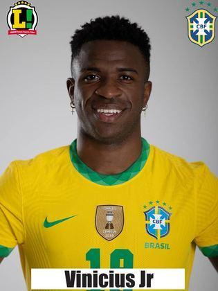 Vinícius Jr - 5,5 - Sua entrada serviu de desafogo para o Brasil, que se via encurralado pelo Equador. Buscou jogadas individuais e desperdiçou uma boa chance em cruzamento do Paquetá.