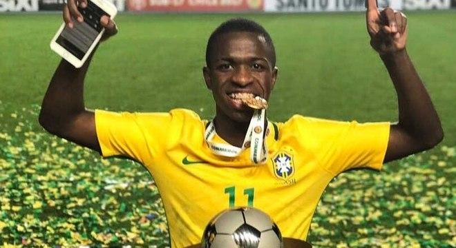 Vinícius Júnior. Nome certo na renovação da Seleção para o Catar em 2022