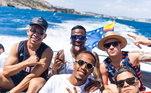 A Itália já é a segunda parada das férias de Vinicius Jr. A primeira foi Ibiza, na Espanha, os amigos eram os mesmos, mas o companheiro de Real Madrid Eder Militão estava juntoVeja mais:Moicano é corte favorito de Neymar nos grandes momentos da carreira