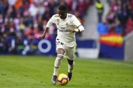 Vinicius em ação pelo Real Madrid, contra o Ajax