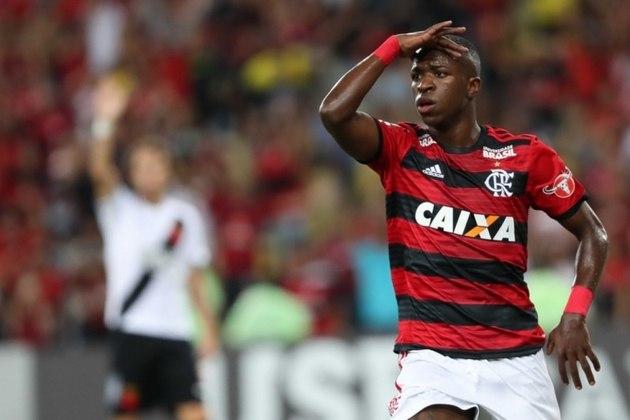 Vinicius Júnior (Flamengo): campeão da Copa São Paulo de Futebol Júnior em 2016, Vinicius já chegou pronto ao profissional com 16 anos e nove meses, e desde cedo foi observado por grandes clubes, sendo vendido antes dos 18 anos para o Real Madrid, clube onde está até hoje